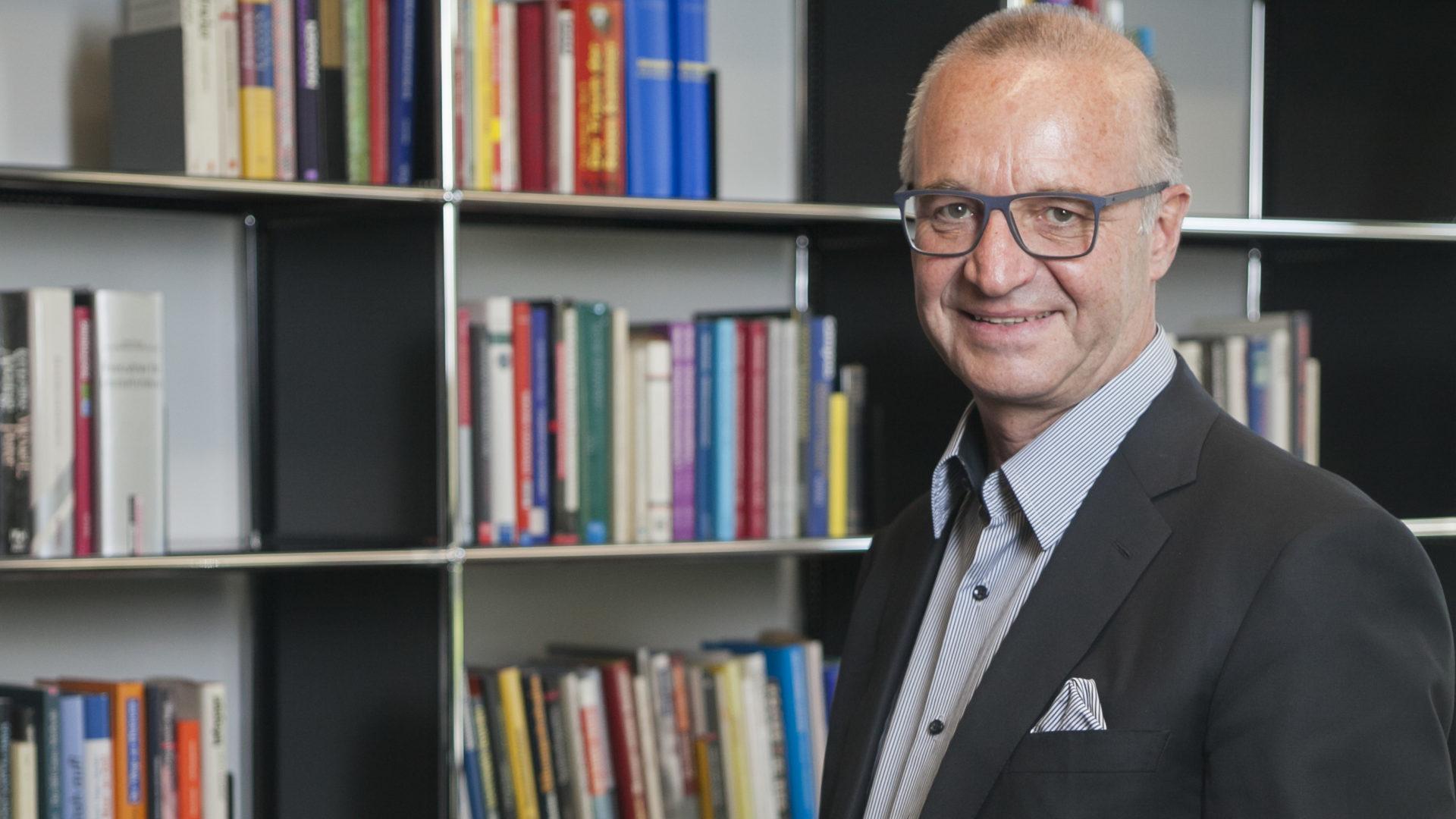 Dr. Christoph Nussbaumer - Strategieentwicklung - Strategieimplementierung mit der Balanced Scorecard - Strategisches Controlling