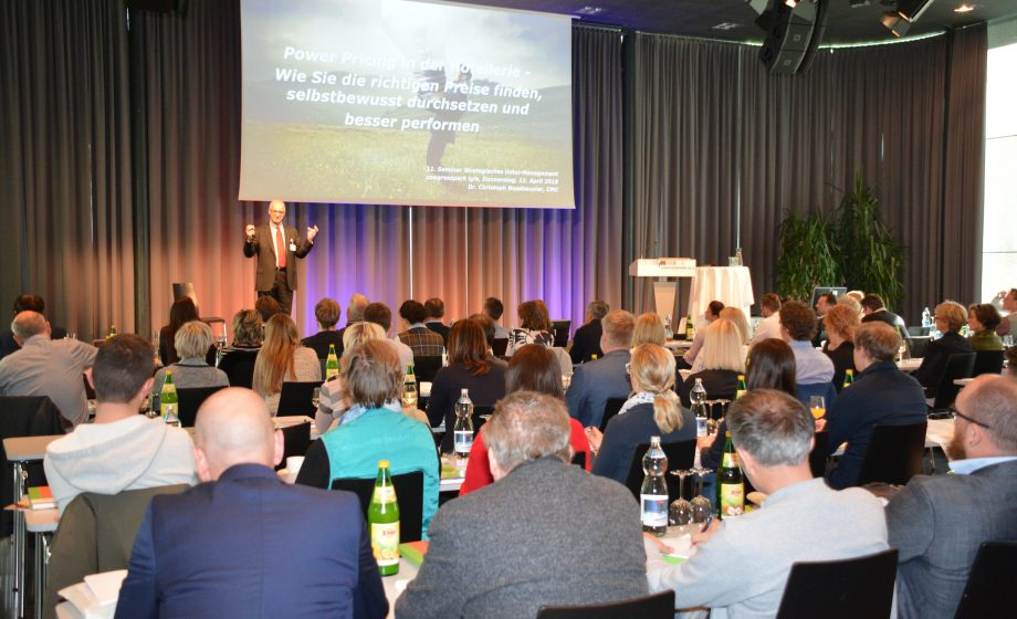 11. Strategisches Hotel-Management Seminar 2018 | Dr. Christoph ...